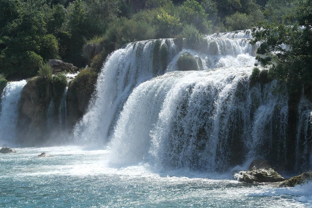 Achtsamkeitsübung Grübeln Wasserfall